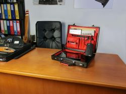 Briefcase-carbon-desk-3